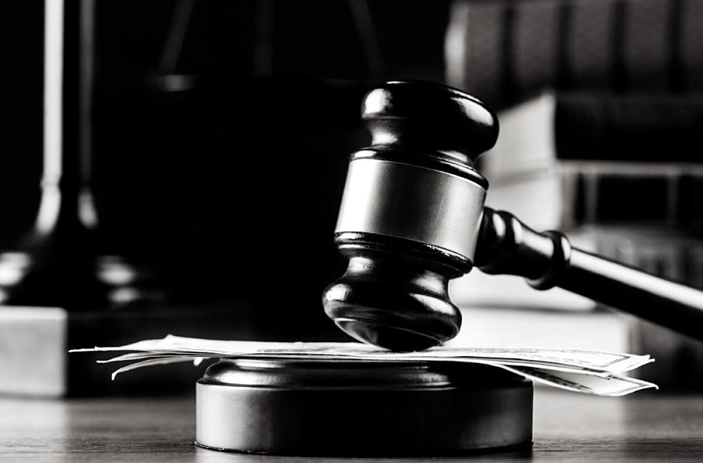 La capacidad de los tribunales arbitrales para dictar medidas cautelares y su efectividad práctica en el derecho comparado: caso Colombia, Ecuador, Perú y Venezuela.
